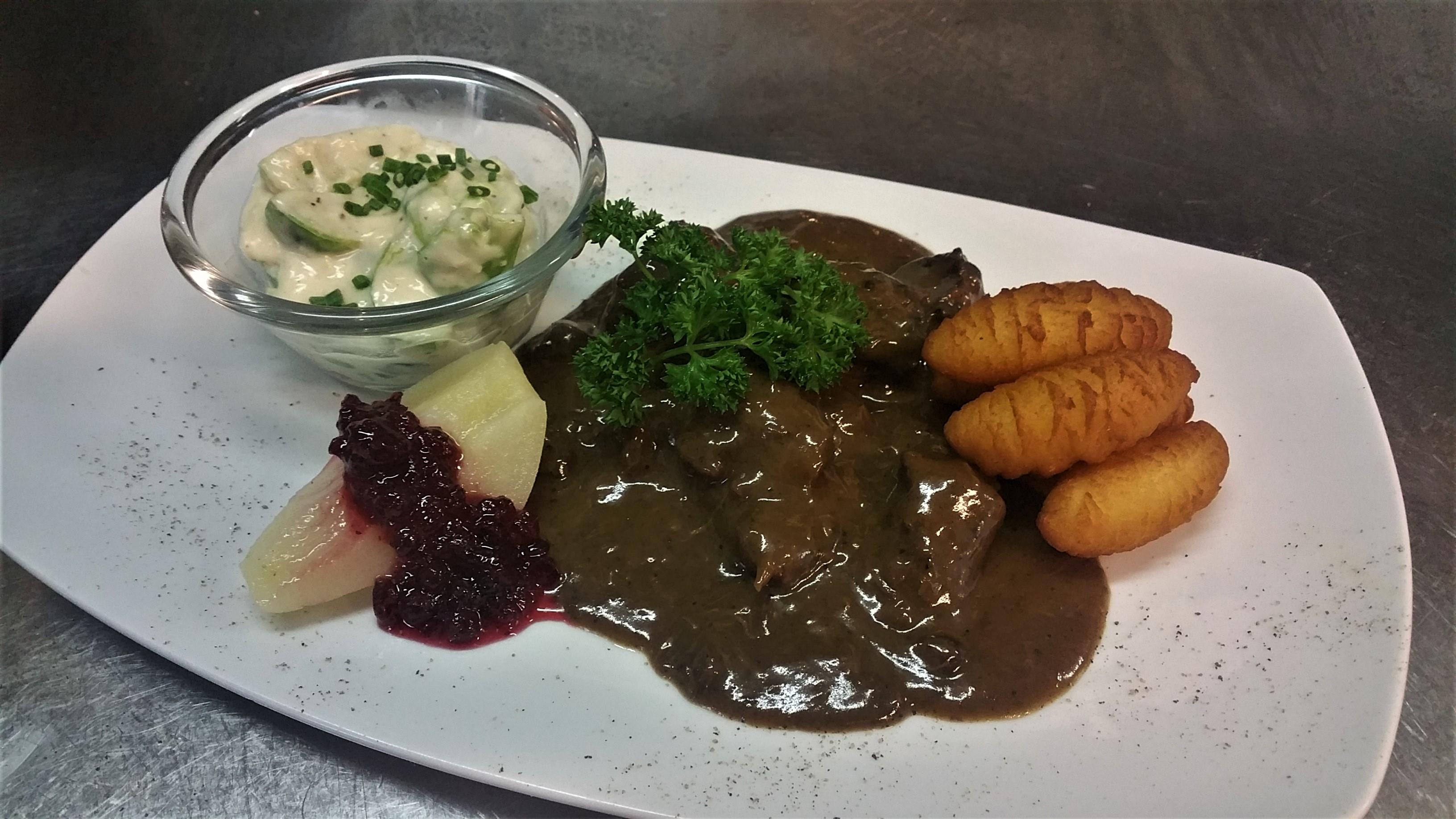 Hirschragout im Restaurant klein Steiermark