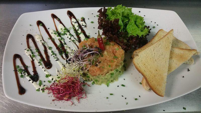 Tartar von Lachs und Avocado